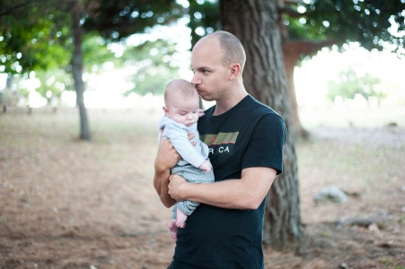 Caffeine and Fairydust - Our Family Photoshoot With Lauren Pretorius Photography Cole and Knox Dad Kissing Son
