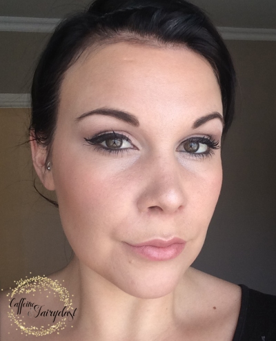 Make-up Tutorial For Tired And Busy Moms with liquid eyeliner